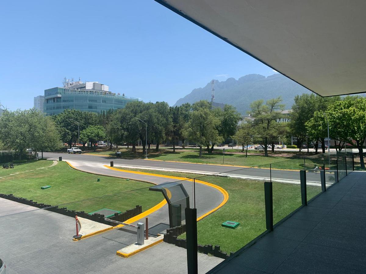 Foto Local en Renta en  San Pedro Garza Garcia ,  Nuevo León  LOCAL RENTA CALZADA DEL VALLE SAN PEDRO
