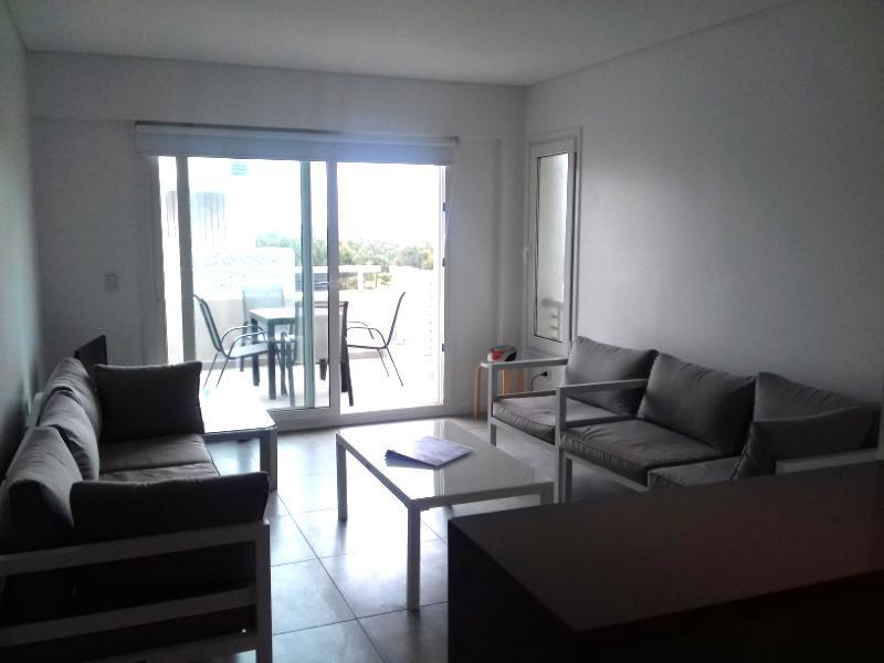 Foto Departamento en Alquiler temporario en  Costa Esmeralda,  Punta Medanos  AlGolf19 - Edificio Albatros, Piso 4 G