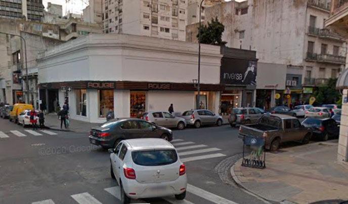 Foto Local en Alquiler en  La Plata ,  G.B.A. Zona Sur  49 y 9