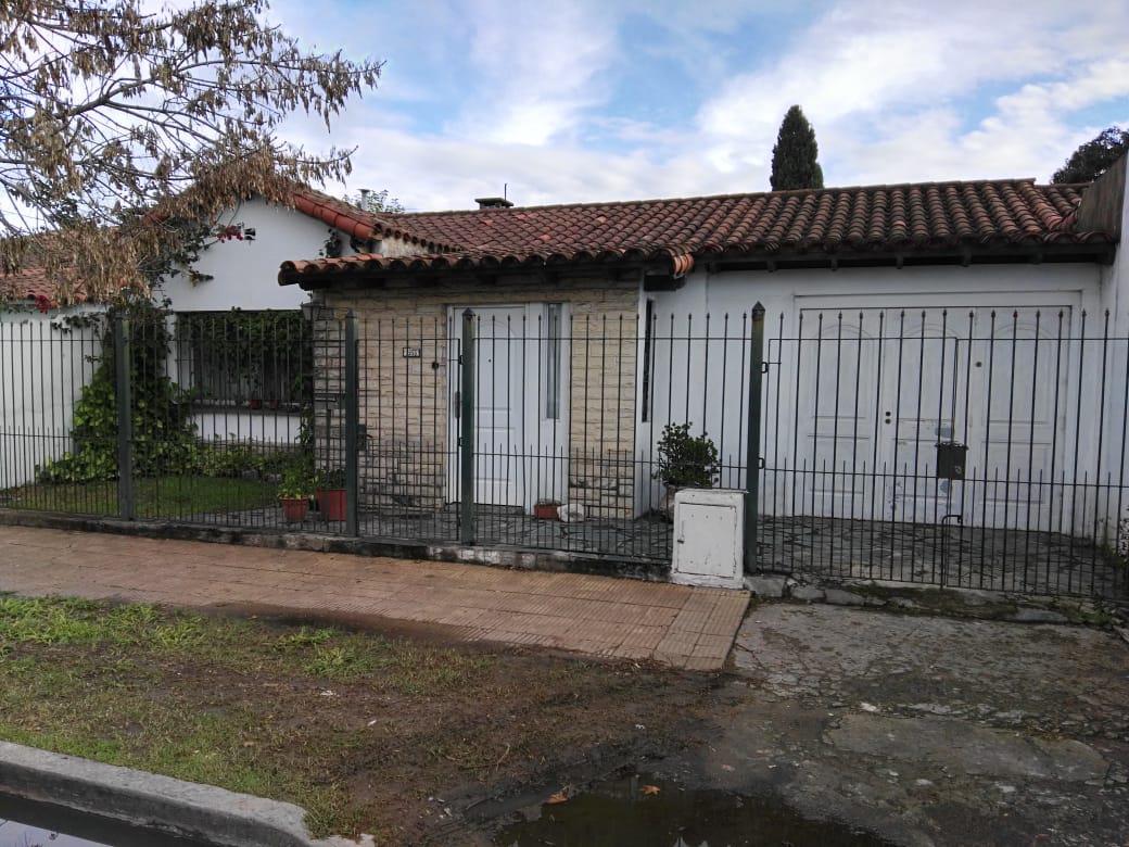 Foto Casa en Venta en  Mariano Moreno,  Los Polvorines  JOSE LEON SUAREZ al 3200