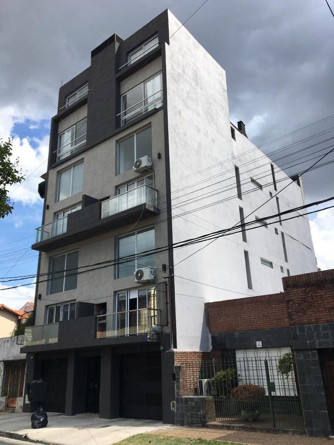 Foto Departamento en Venta en  Quilmes,  Quilmes  Alvear al 1100
