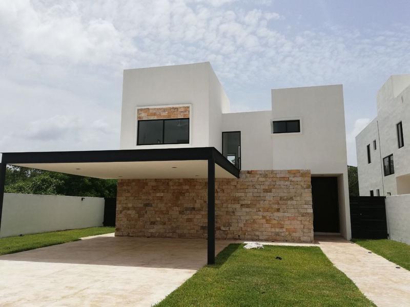 Foto Casa en Venta en  Mérida ,  Yucatán  CASA EN ESQUINA EN JARDINES DE LA REJOYADA 51
