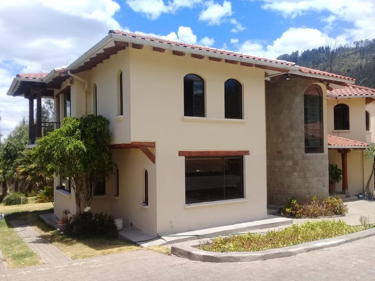 Foto Casa en Venta en  Nayón - Tanda,  Quito  NAYON