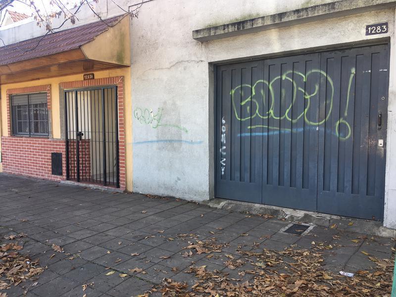Foto Depósito en Venta en  Lomas de Zamora Oeste,  Lomas De Zamora  LAPRIDA al 1200