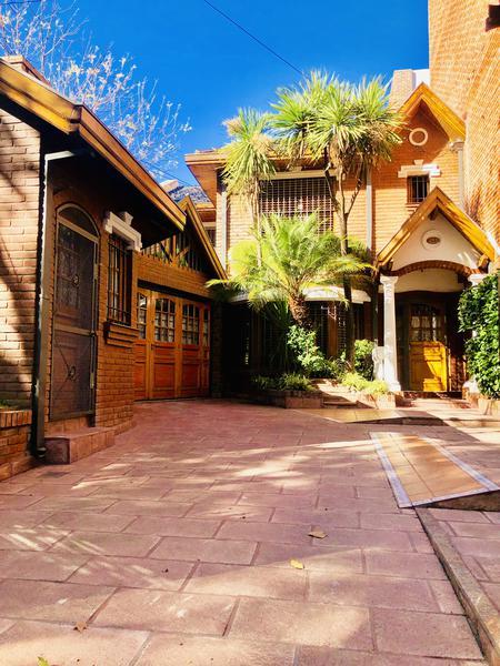 Foto Casa en Alquiler en  Monte Grande,  Esteban Echeverria  Independencia al 200
