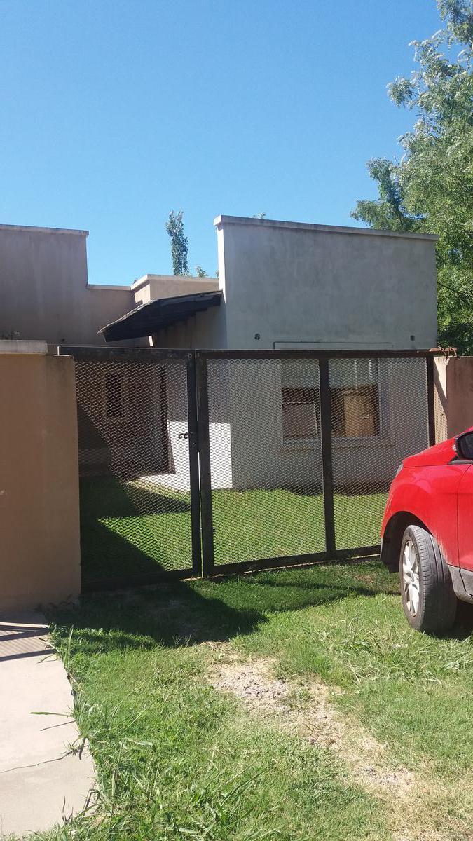 Foto Casa en Venta en  Coronel Brandsen,  Coronel Brandsen  calle 16 entre 10 y 11