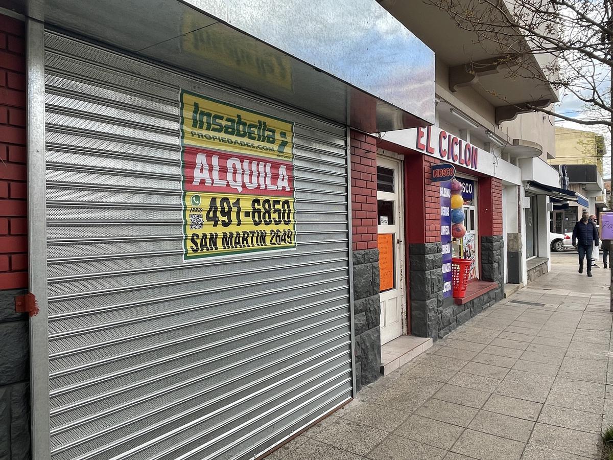 Foto Local en Alquiler en  Centro,  Mar Del Plata  Córdoba 3017 entre Avellaneda y Alvarado