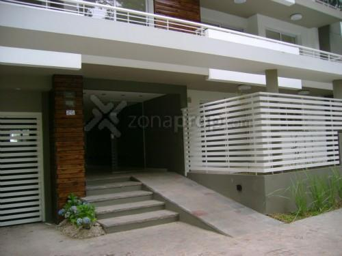 Foto Departamento en Alquiler en  Lomas De Zamora,  Lomas De Zamora  Pueyrredon 200