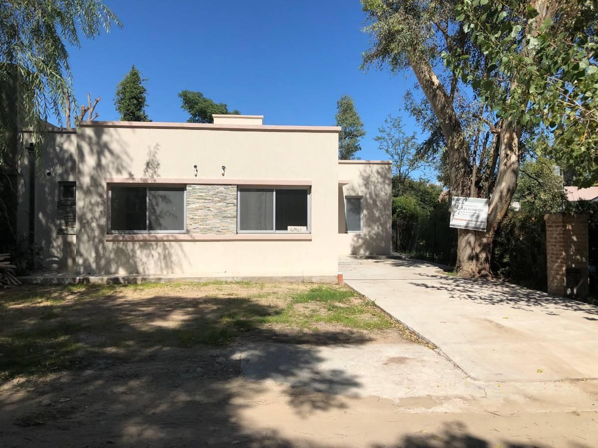 Foto Casa en Venta en  El Carmencito,  Countries/B.Cerrado (Berazategui)  Barrio El Carmencito