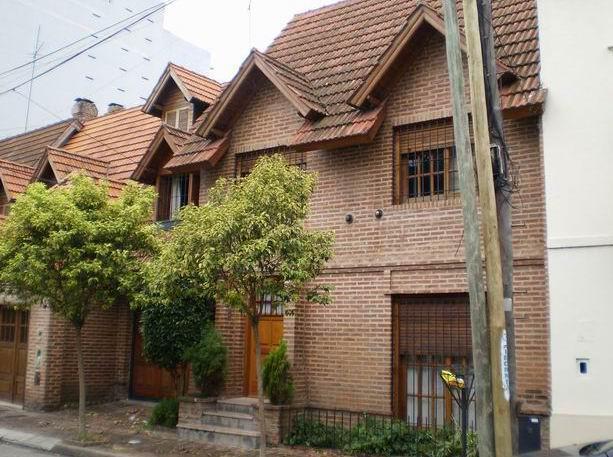 Foto Casa en Venta en  Crucesita,  Avellaneda  Pasaje Banco Avellaneda 1838