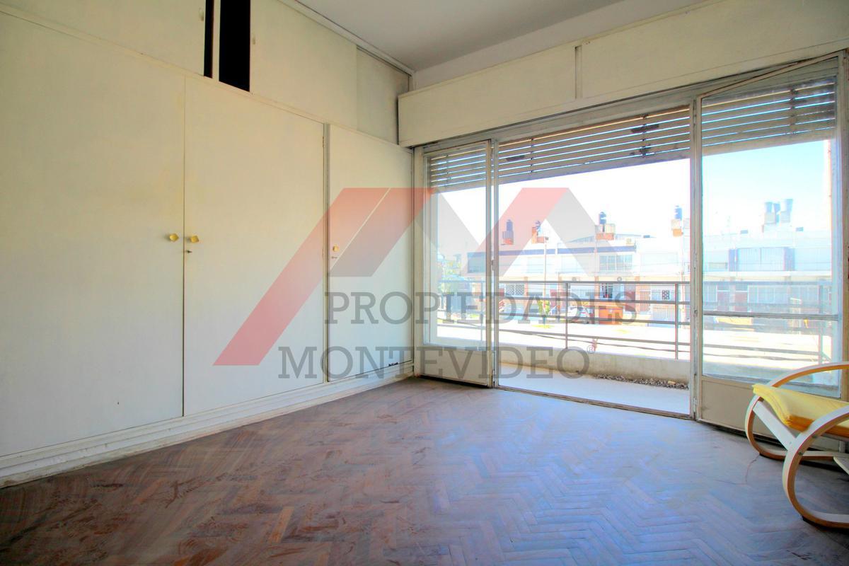 Foto Casa en Venta en  La Blanqueada ,  Montevideo  La Blanqueada, Luis Alberto de Hererra al 2100