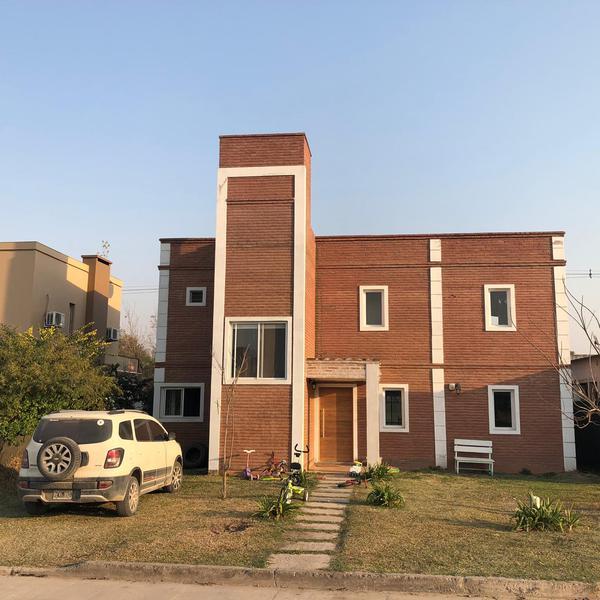 Foto Casa en Venta en  Yerba Buena ,  Tucumán  BARRIO PRIVADO ALTOS DEL ROSARIO