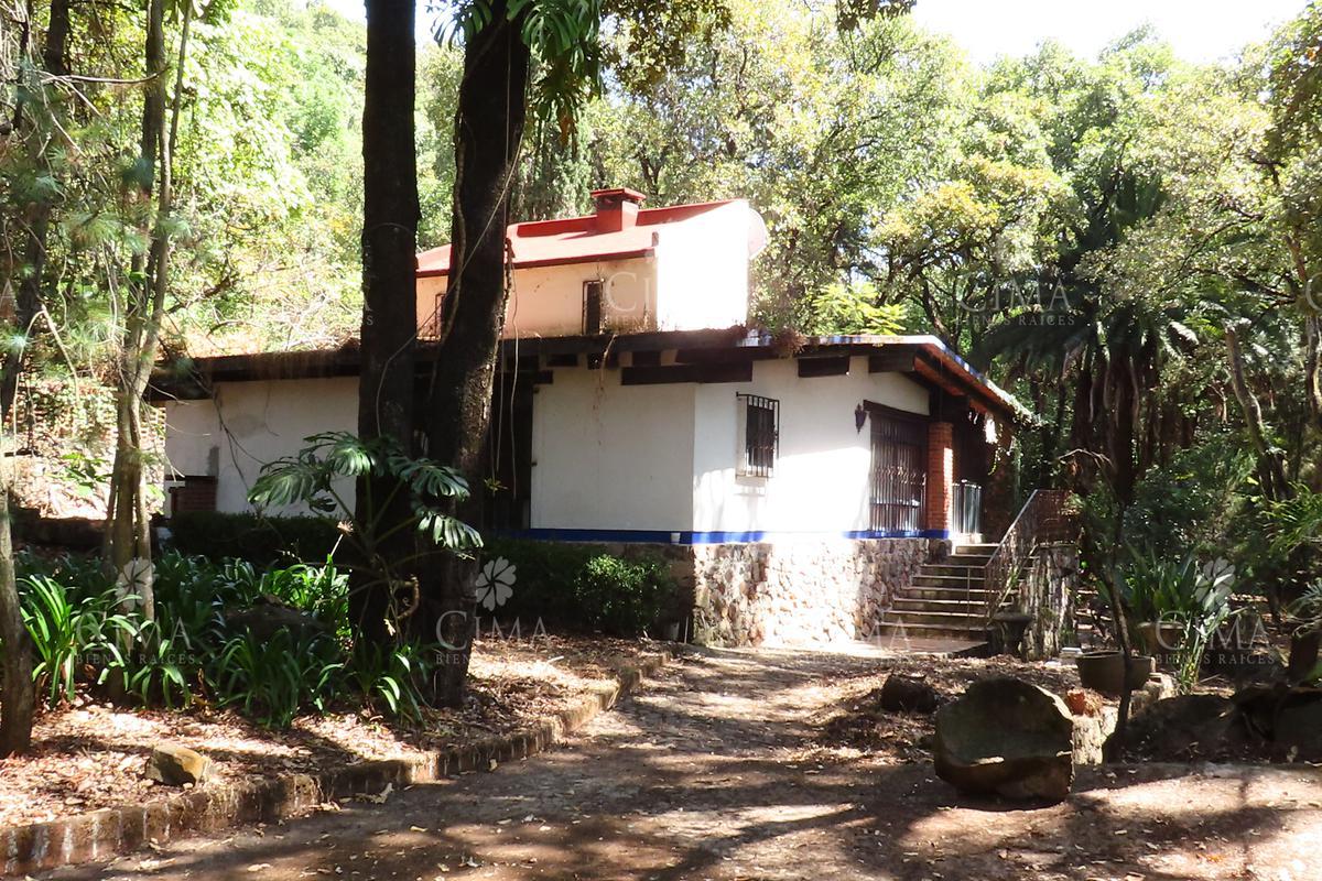 Foto Casa en Venta en  Pueblo Santa María Ahuacatitlán,  Cuernavaca  Venta Casa como Terreno al Norte de Cuernavaca  - V179