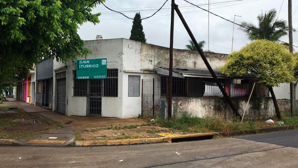 Foto Local en Venta en  Tolosa,  La Plata  7 y 517bis