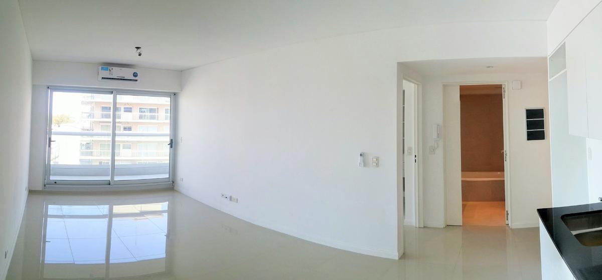 Foto Departamento en Venta en  Olivos-Vias/Rio,  Olivos  Av Libertador 2401, 8º