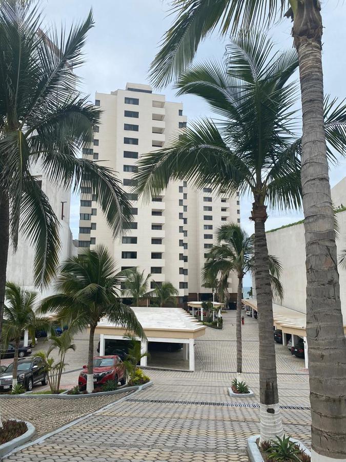 Foto Departamento en Venta en  Playa de Oro,  Boca del Río  TORRE ARRECIFES, Departamento en VENTA con vista al mar, 3 recámaras y cuarto de servicio