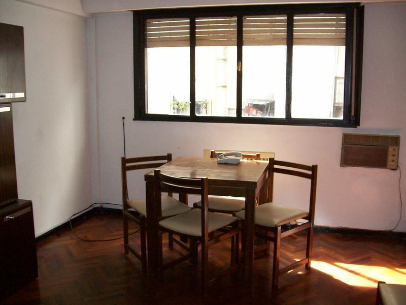 Foto Departamento en Alquiler en  Balvanera ,  Capital Federal  Junín al 300 entre Av. Corrientes y Sarmiento