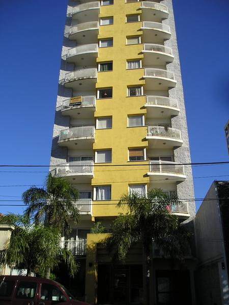 Foto Departamento en Alquiler en  Lomas de Zamora Oeste,  Lomas De Zamora  Leandro N. Alem 160 1° D