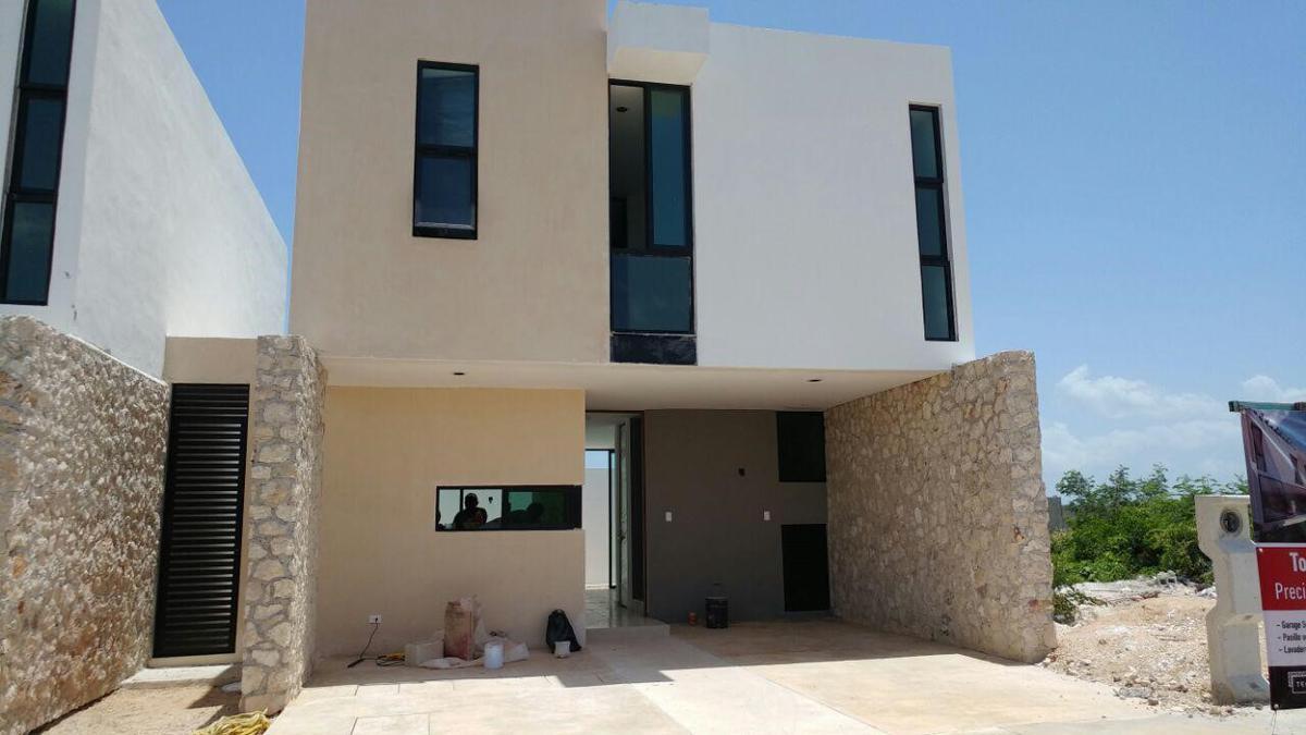 Foto Casa en Venta en  Pueblo Dzitya,  Mérida  Townhouse de dos plantas en Bellavista Dzitya