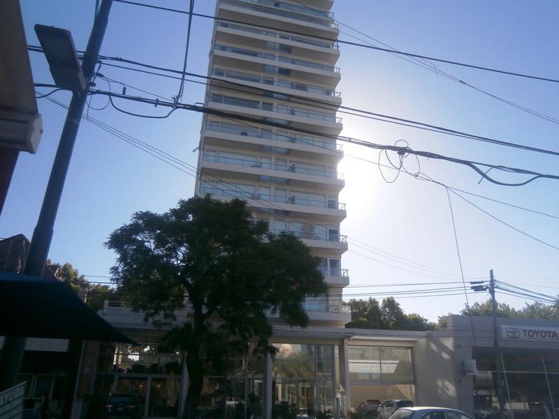 Foto Departamento en Venta en  Olivos,  Vicente Lopez  AVENIDA LIBERTADOR entre MALAVER y YRIGOYEN
