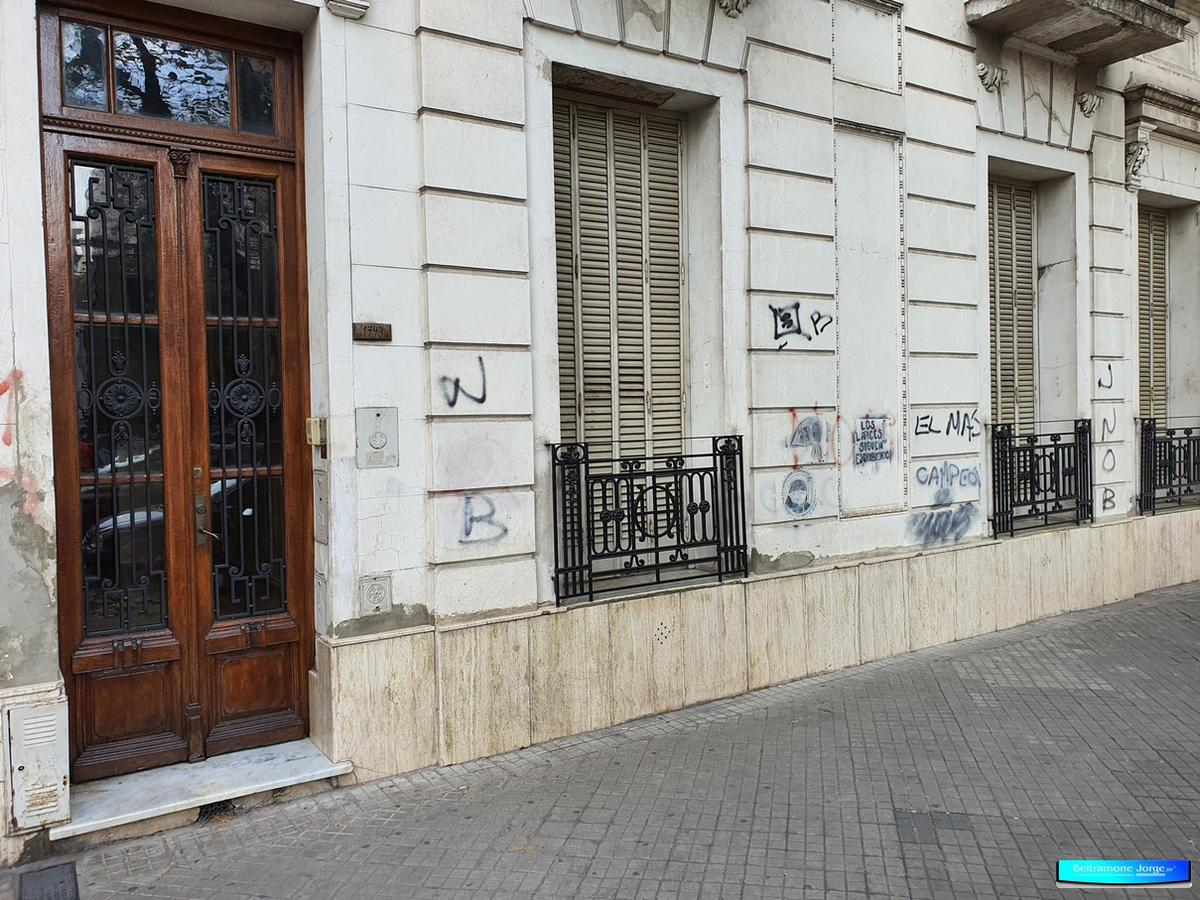 Foto Casa en Venta |  en  Centro Sur,  Rosario  Av. Pellegrini al 1700