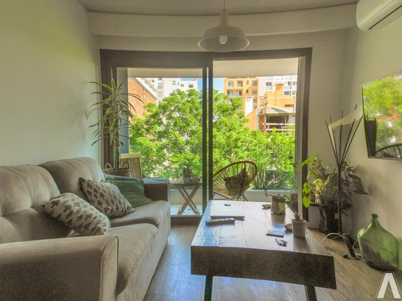 Foto Departamento en Venta en  Pocitos ,  Montevideo  Apartamento De 2 Dormitorios En  Venta
