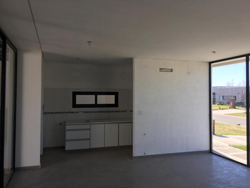 Foto Casa en Venta en  Santa Elena ,  Pilar Del Este  Caamaño al 900