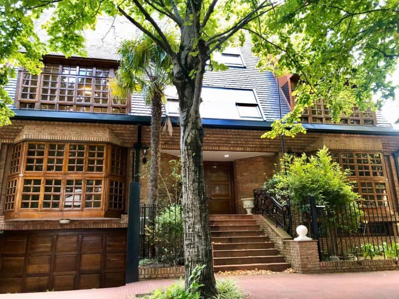 Foto Casa en Alquiler en  Martinez,  San Isidro  Eduardo Madero al 2300