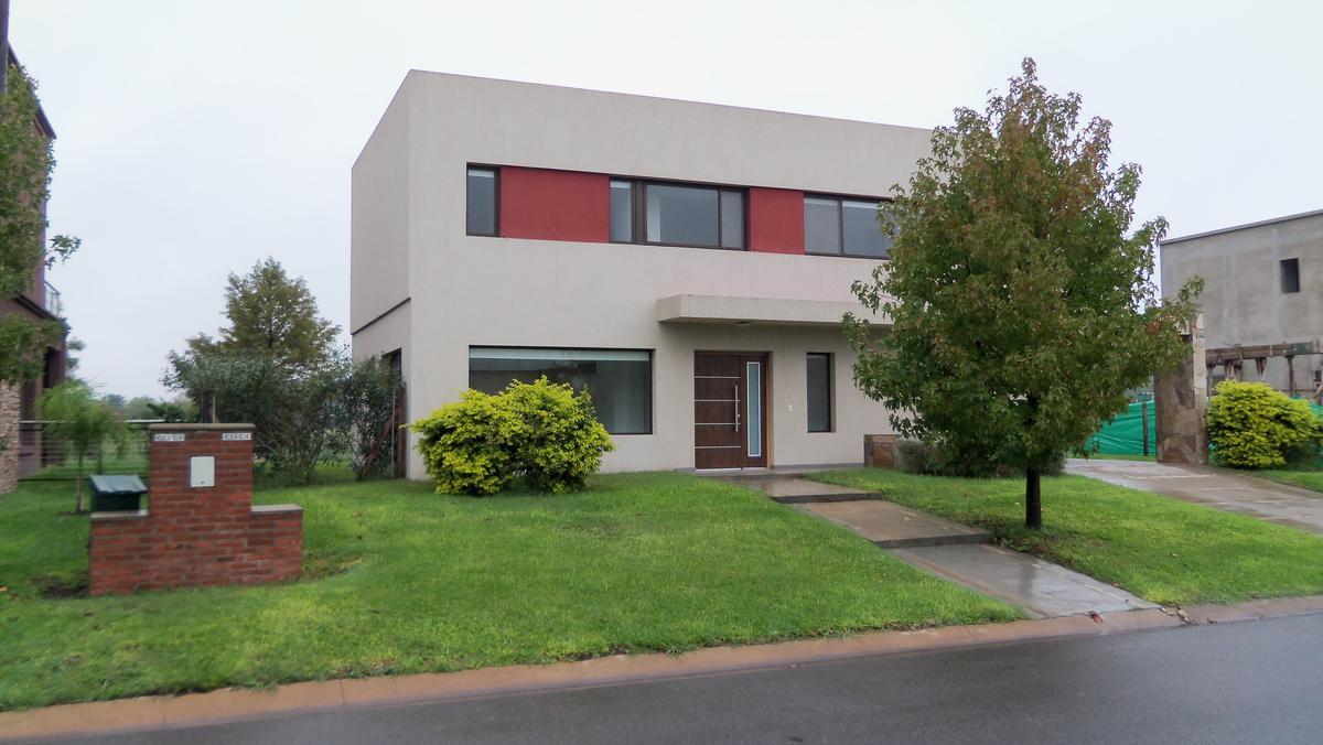 Foto Casa en Venta en  Ayres Plaza,  Countries/B.Cerrado  Colectora Panamericana Ramal Pilar, km