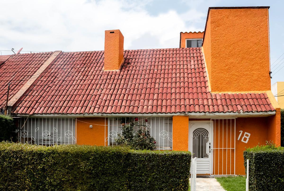 Foto Casa en Renta en  San Pedro Totoltepec,  Toluca                          Calle Retorno Álvaro Obregón No. de Casa 18 Fraccionamiento Sor Juana Inés de la Cruz