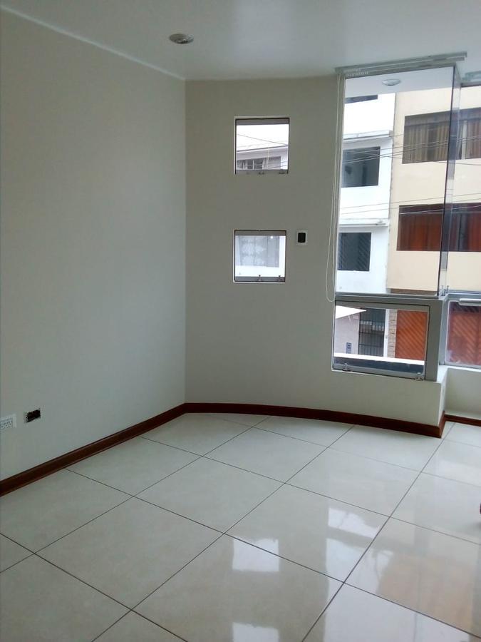 Foto Departamento en Alquiler en  Santiago de Surco,  Lima  Calle MZ. J, LOTE 18. LOS VIÑOS DE SURCO