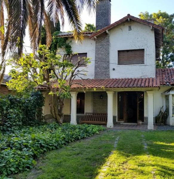 Foto Casa en Venta en  San Isidro,  San Isidro  Intendente Indart al 100  Barrio del Carreras