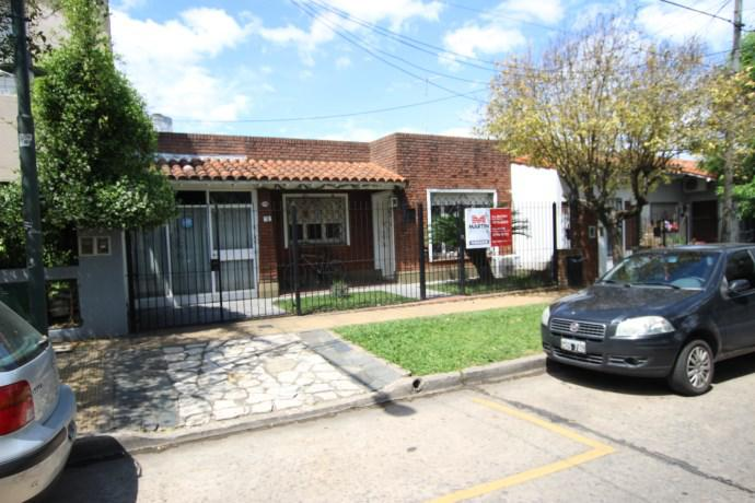Foto Casa en Venta en  Mart.-Santa Fe/Fleming,  Martinez  EZPELETA al 1400