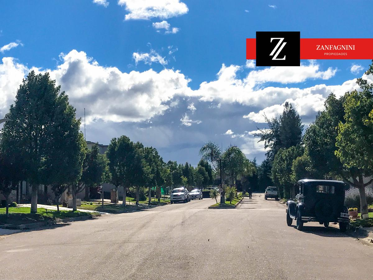 Foto Casa en Venta en  Guaymallén,  Guaymallen  Bº Haciendas de La Cruz