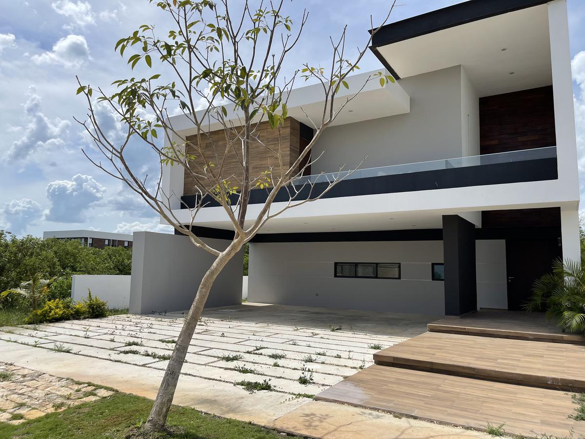 Foto Casa en Venta en  Yucatán Country Club,  Mérida  Casa en Privada -Mérida Country Club