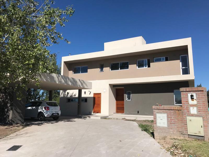 Foto Casa en Venta en  Rosario ,  Santa Fe  García del Cossio 2198 Bis