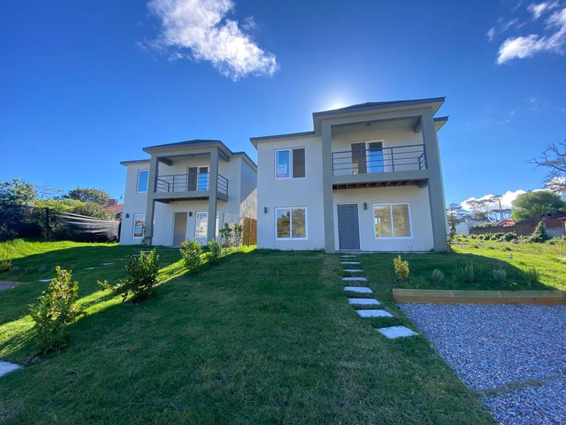 Foto Casa en Venta en  Playa Mansa,  Punta del Este  CASA A ESTRENAR CERCA DEL MAR PH