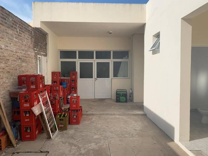 Foto Fondo de Comercio en Venta en  Capital Federal ,  Capital Federal  Calle 13 400