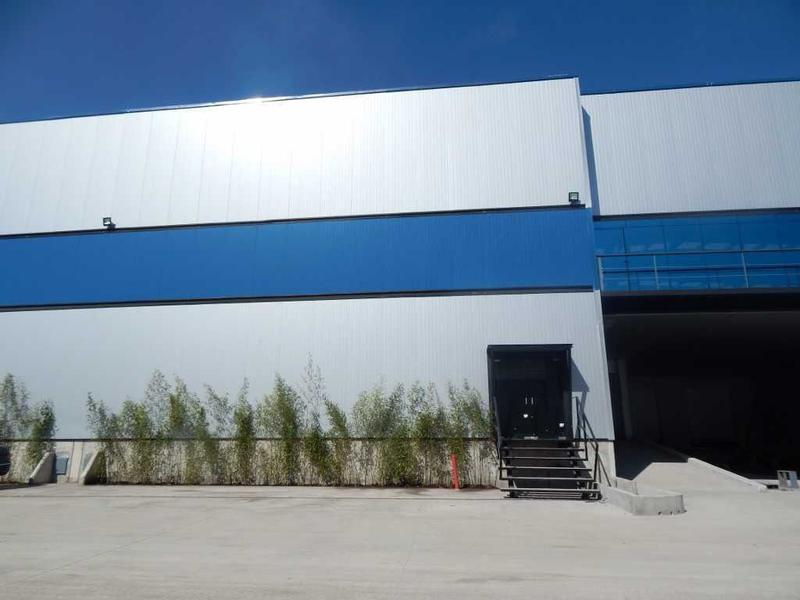 Foto Bodega Industrial en Renta en  Santa Ana TlapaltitlAn,  Toluca  BODEGA EN RENTA AVENIDA COMONFORT