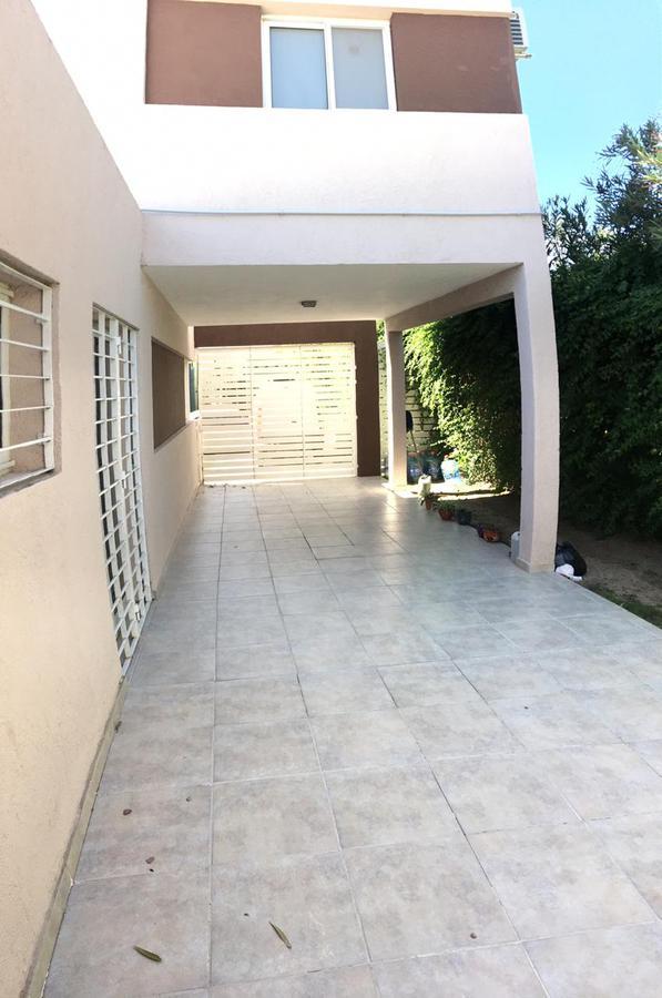 Foto Casa en Venta en   La Estanzuela,  La Calera  VENTA DE CASA EN LA ESTANZUELA
