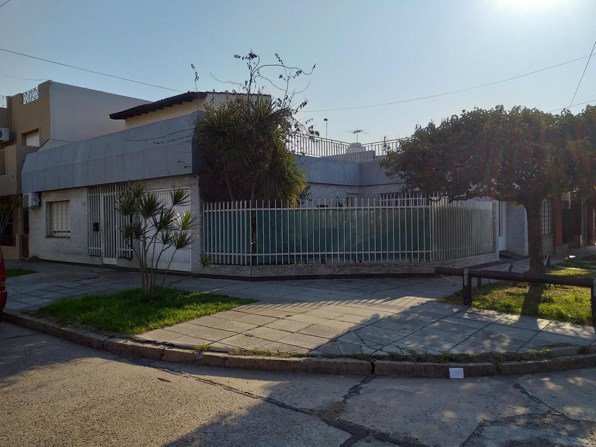Foto Casa en Venta en  Ramos Mejia Sur,  Ramos Mejia  MALABIA al 400