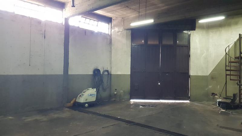 Foto Galpón en Alquiler en  Mataderos ,  Capital Federal  Galpón, 300 m2 en una planta, con techo de losa, mataderos, Basualdo al 1500.