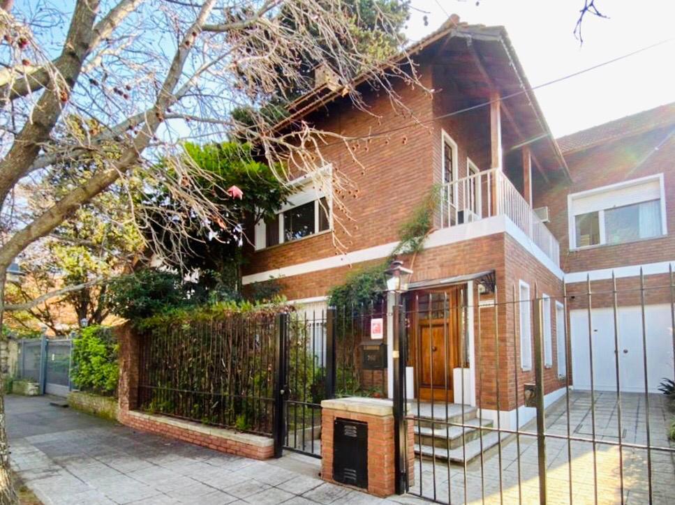 Foto Casa en Alquiler temporario en  Acassuso,  San Isidro  Rubén DARIO al 700