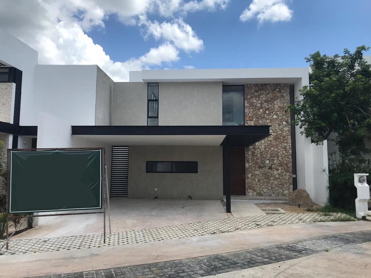 Foto Casa en Venta en  Temozon Norte,  Mérida  Astoria 25: Exclusivas residencias en privada en Temozón Norte cerca de los mejores servicios de la ciudad, al norte de Mérida, Yuc., Méx.