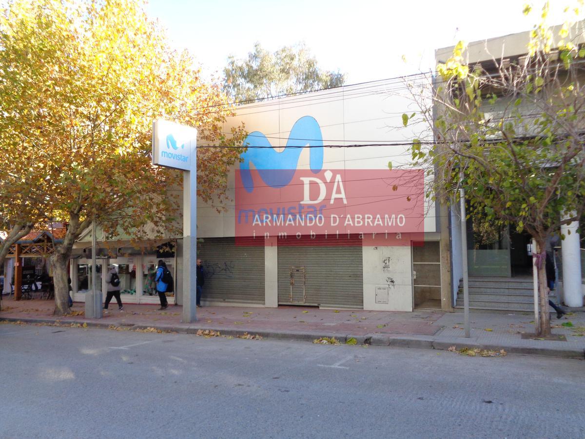 Foto Local en Alquiler en  Capital ,  Neuquen  Avenida Argentina al 376