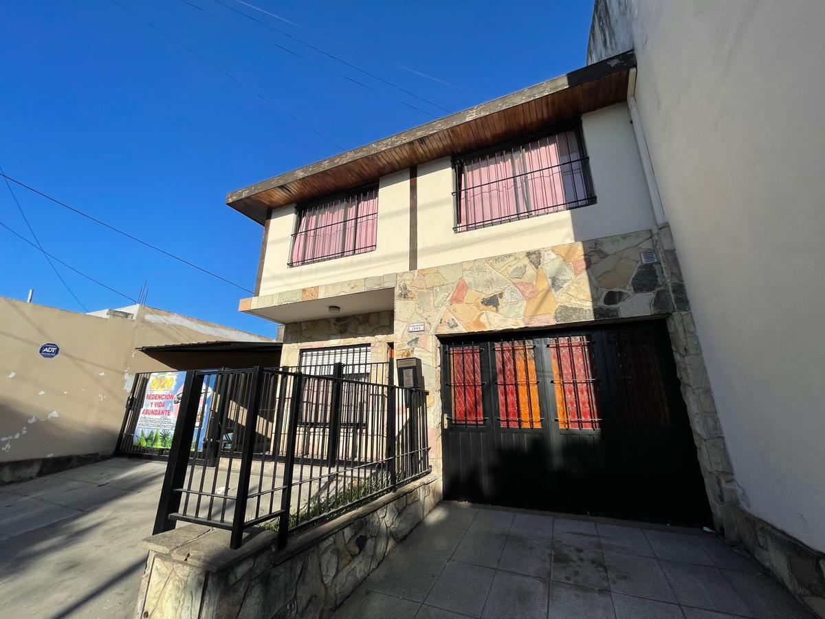 Foto Casa en Venta en  Los Polvorines,  Malvinas Argentinas  Darragueira al 1000