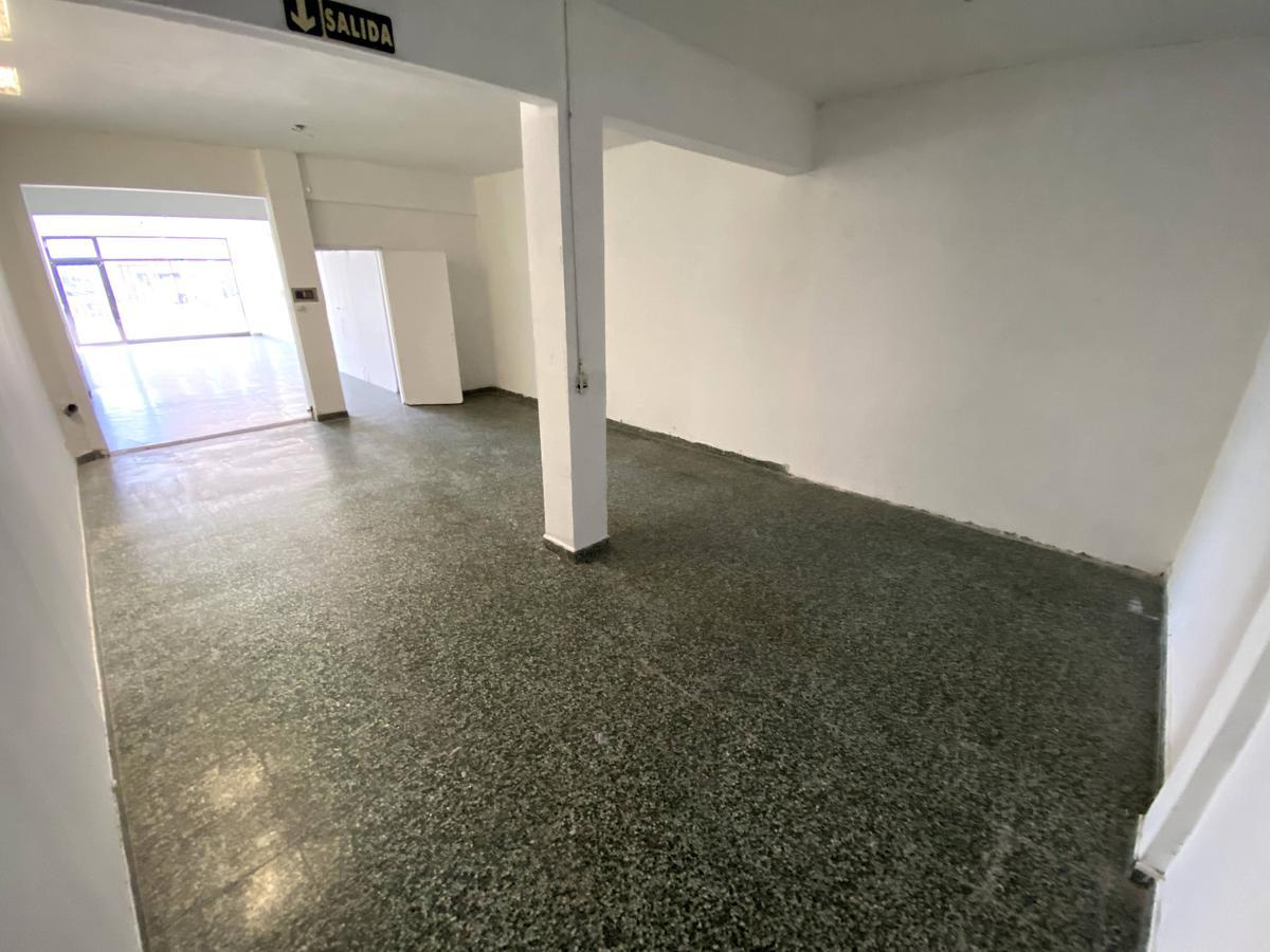 Foto Local en Alquiler en  Área Centro Sur,  Capital  LAINEZ al 300