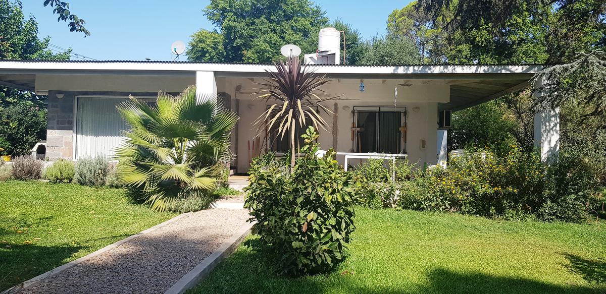 Foto Casa en Venta en  Exaltacion De La Cruz ,  G.B.A. Zona Norte  Acepta Depto en CABA como parte de pago