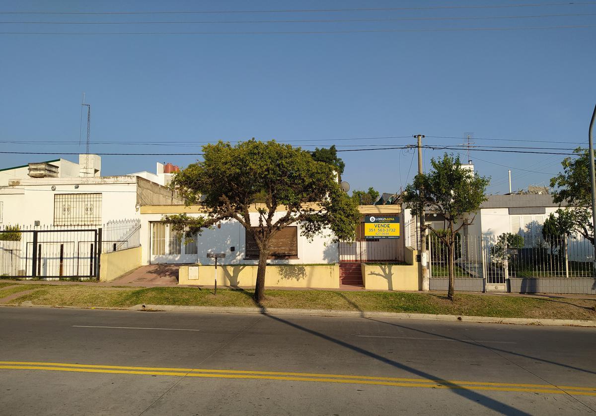 Foto Casa en Venta en  Quebrada De Las Rosa,  Cordoba  CASA A RECICLAR SOBRE LOTE APTO DUPLEX  | QUEBRADA DE LAS ROSAS