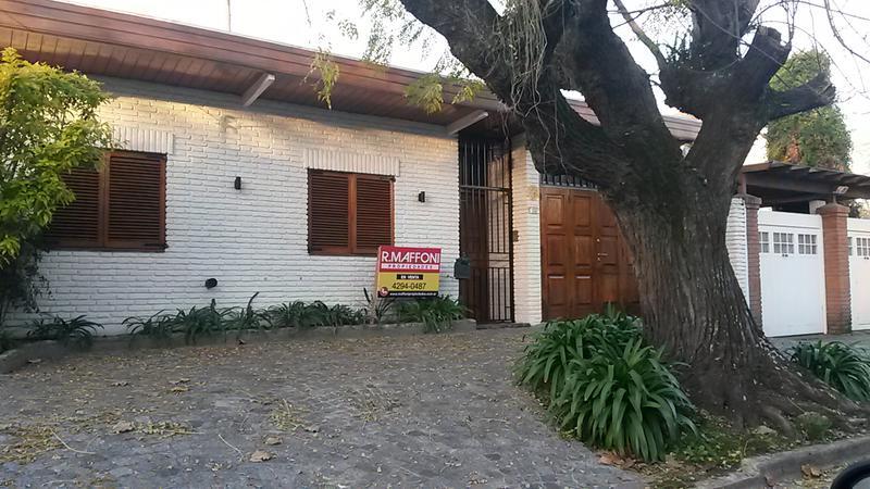 Foto Casa en Venta en  Adrogue,  Almirante Brown  Cordero al 200